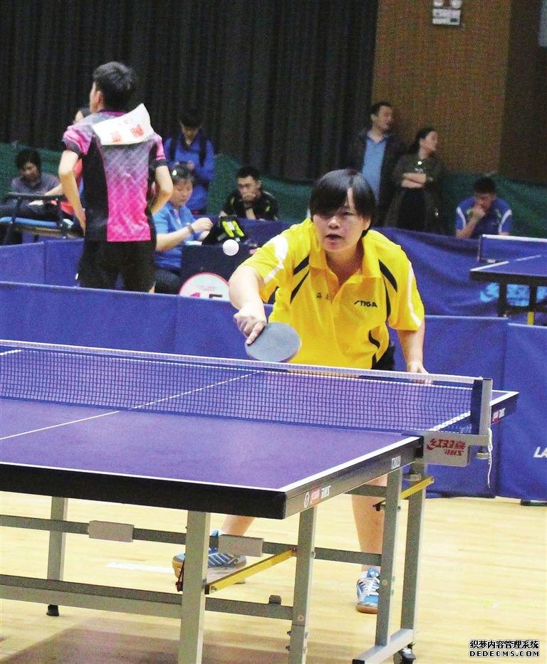访海南省残疾人乒乓球选手虞海莲